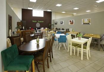 """Реновація магазину столів та стільців """"Меблі Карпат"""""""